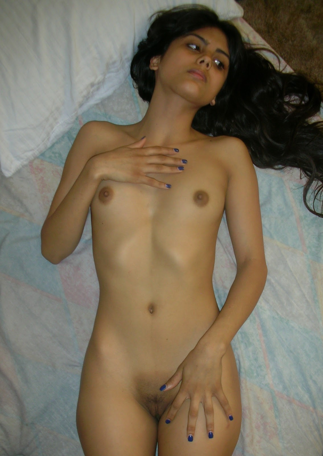 Sexy busty exotic naked